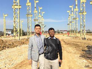Os clientes de Bangladesh veñen visitar a nova fábrica que estamos construíndo