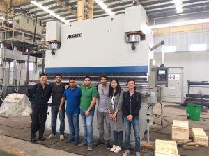 Os clientes de Brasil visitan fábricas e compran máquinas de freo de prensa