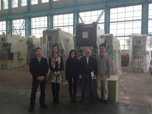 Os clientes de Columbia compran prensas hidráulicas das empresas Accurl