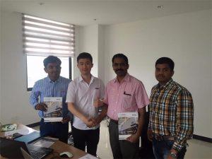 Os clientes de Sri Lanka discuten a tecnoloxía con Mr.Tai no noso despacho