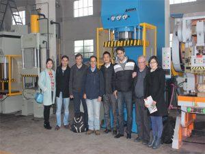 A Delegación do Perú chegou a visitar a nosa fábrica e mercar máquinas