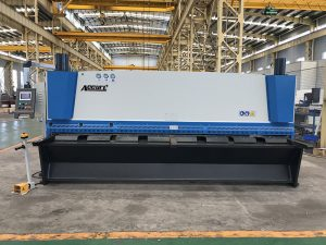 máquina de corte hidráulico metálico